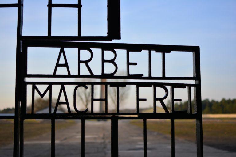 front gate sachsenhausen tour