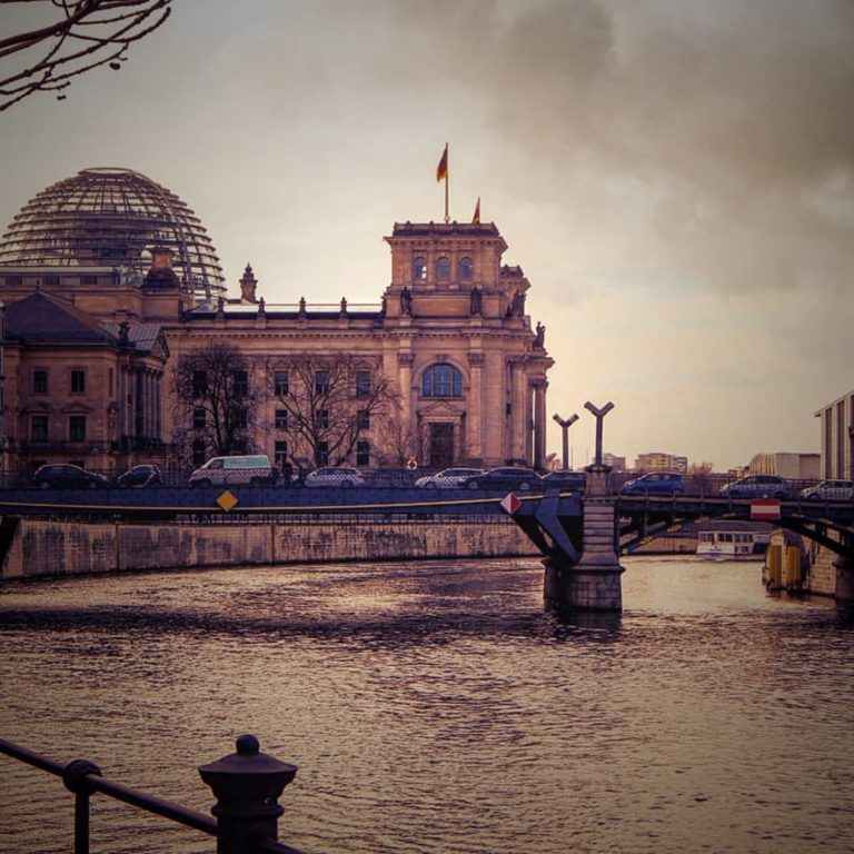 Private Essential Berlin Tour: Landmarks Highlights & History
