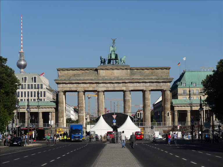 Private Berlin In a Day History Tour With Expert Guide