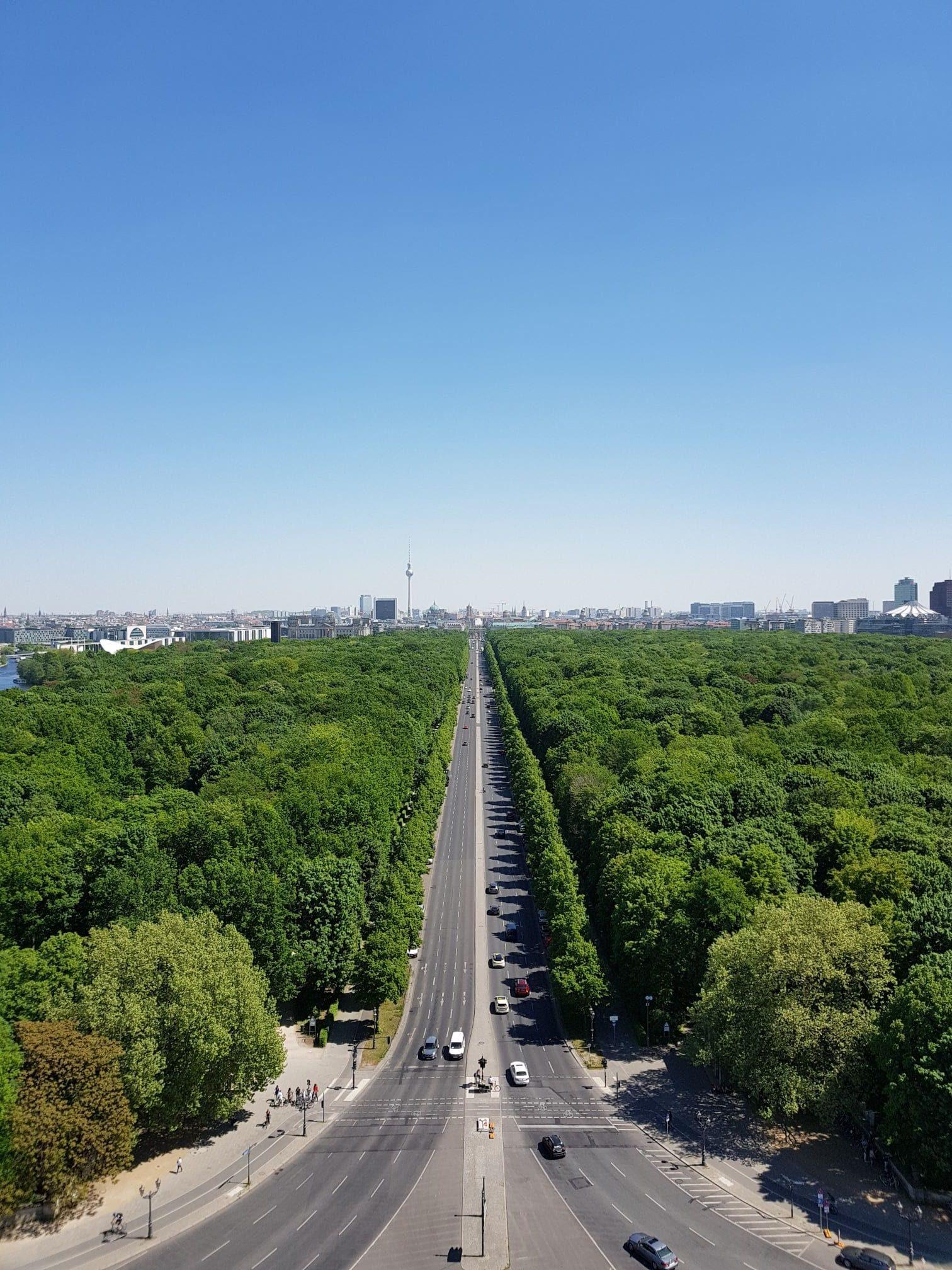 berlin history tour tiergarten brandenburg gate